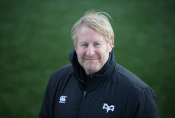 Palmer joins Ospreys to help with performance