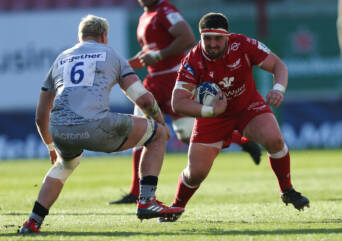 Scarlets suffer heavy Sale defeat