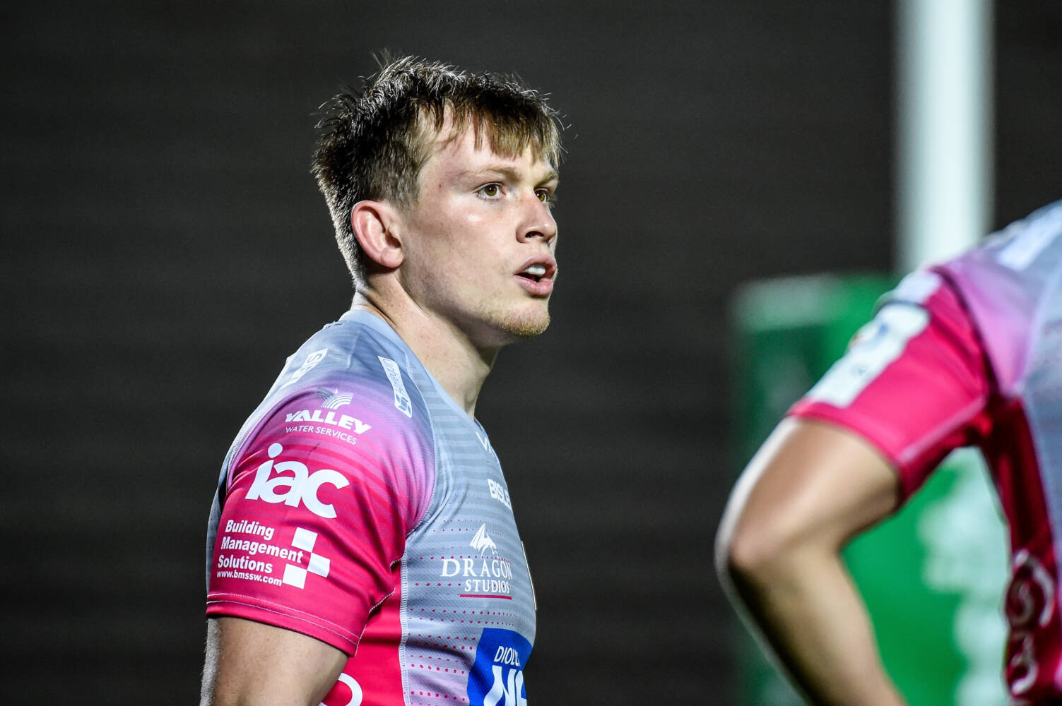 Tompkins returns to Saracens after Dragons loan spell