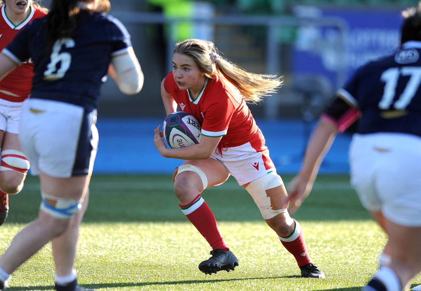 Manon Johnes gets new role at Oxford as a scrum half