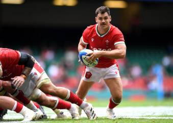 Wales change seven for Pumas decider