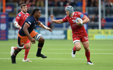 Peel buoyed by star centres as Lions lie in wait