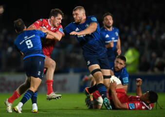 Scarlets improvement not enough to trouble Leinster