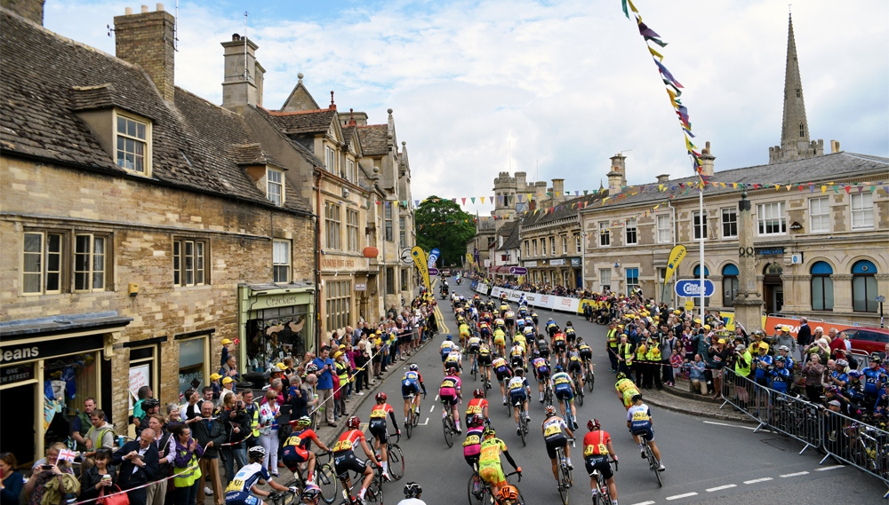 WIN with our spectator survey from #AvivaWT2015