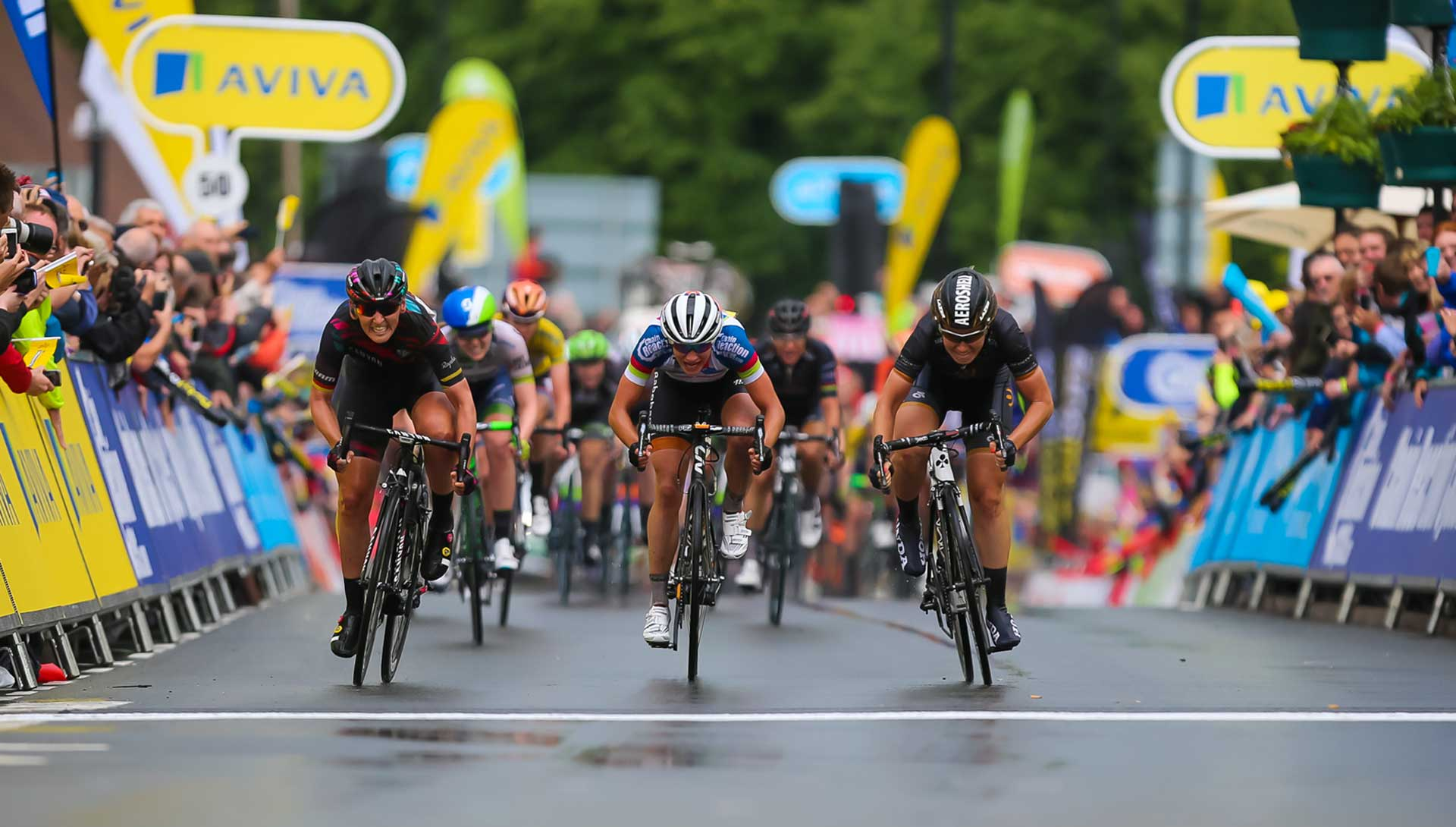 Marianne Vos takes the Aviva Yellow Jersey in Warwickshire stage