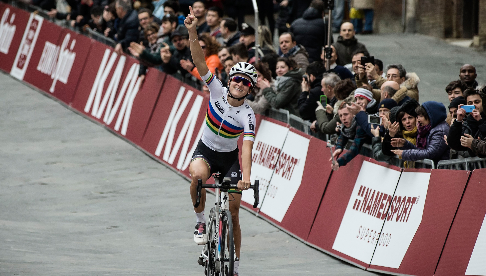 Lizzie Armitstead wins opening event of the UCI Women's WorldTour in Italy