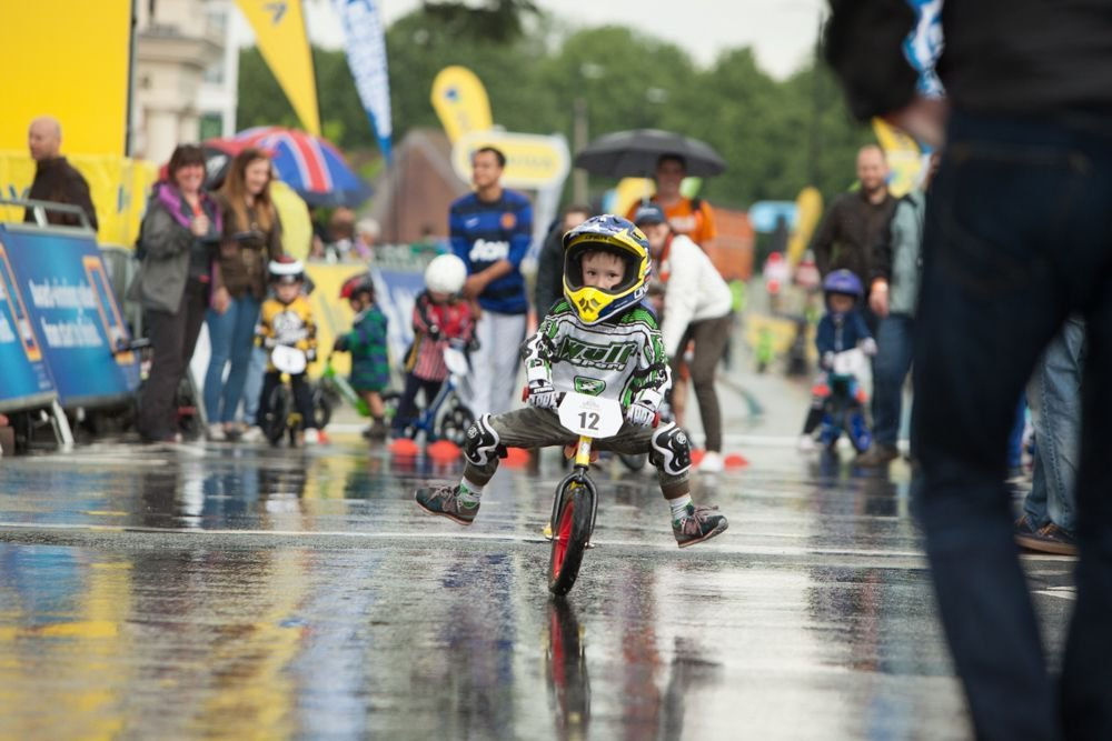 Opportunity for your youngster to ride on the OVO Energy Women's Tour finish straight