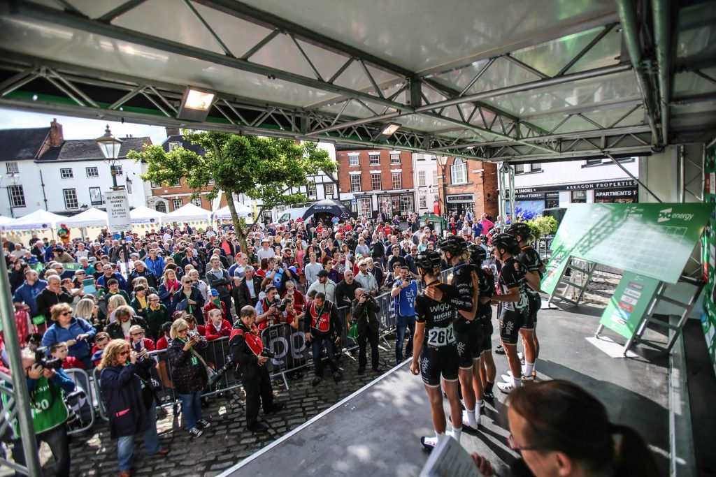 'No One Is Interested In Women's Cycling' - The crowds in Atherstone turn out in their thousands to watch riders sign on ahead of Stage 3.