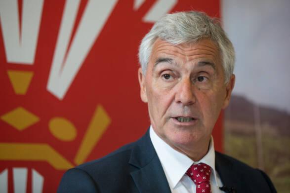 Chairman Davies praises clubs