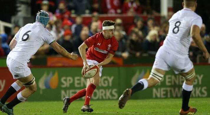 Wales U20 star Buckland joins Ponty